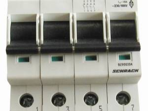 Main Load-Break Switch (Isolator) 100A/4P