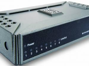 Switch  8xRJ45 10/100 Silent, w/o fan, external PSU, Desktop