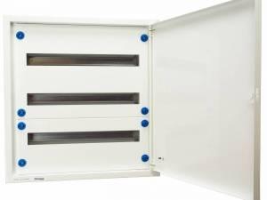Flush-mounted version 3x24 MW + door